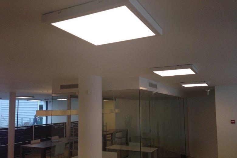 LIGHTcreations Opbouw LED Panelen F. Breeman Rotterdam BMW MINI LIGHTcreations Apeldoorn